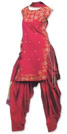 Salwar Kameez in Tema - Image - Small